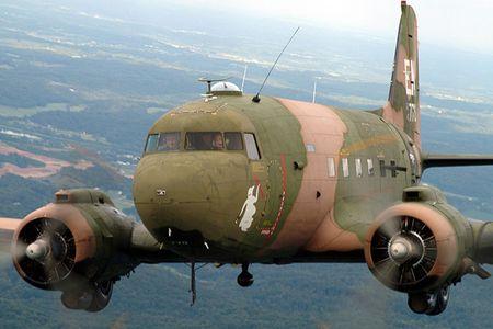 Soi may bay cuong kich AC-47 tung tham chien o Viet Nam - Anh 4