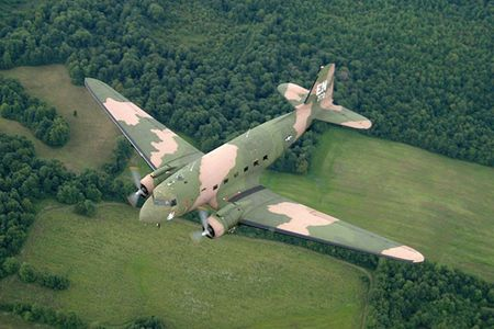 Soi may bay cuong kich AC-47 tung tham chien o Viet Nam - Anh 7