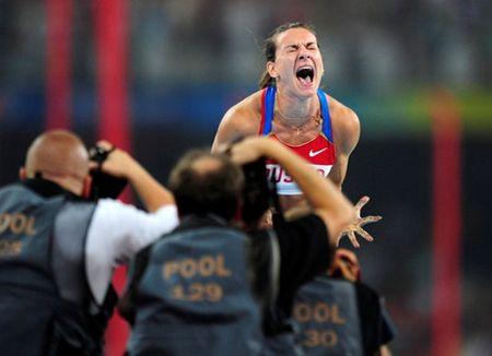Chu tich IOC lai hung chiu chi trich yeu cau tu chuc - Anh 3