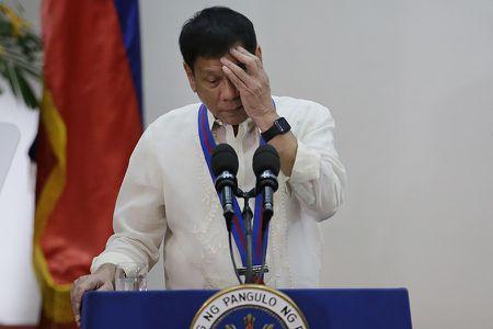 Ro tin Tong thong Philippines Duterte bi ung thu? - Anh 1