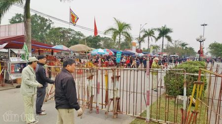 8 gio truoc khi phat an, loi vao den Tran Nam Dinh van thong thoang - Anh 6