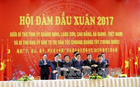 Thuc day hop tac toan dien giua 4 tinh bien gioi va Khu tu tri dan toc Choang - Anh 1