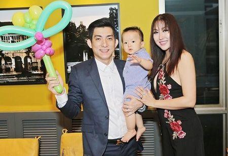 Phi Thanh Van 'phu phang' tiet lo hoc van, phu nhan cong suc cua chong - Anh 1