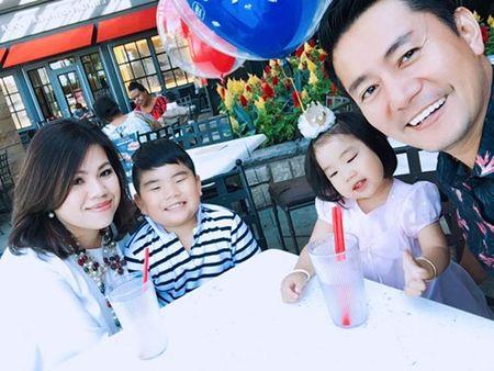 Truong Minh Cuong hanh phuc ben vo dai gia va hai con tai My - Anh 1