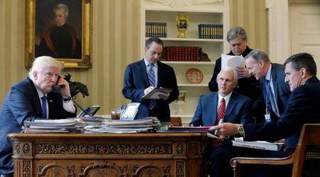 Trump lung tung trong cuoc goi dau tien voi Putin - Anh 1