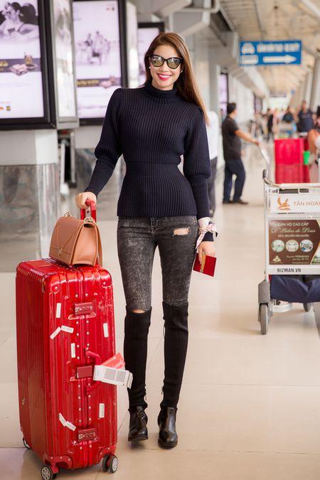 Hoa hau Pham Huong dien set Dior cuc chat 'dung hang' minh tinh Jennifer Lawrence - Anh 10