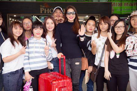 Hoa hau Pham Huong dien set Dior cuc chat 'dung hang' minh tinh Jennifer Lawrence - Anh 11