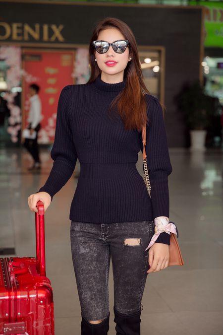 Hoa hau Pham Huong dien set Dior cuc chat 'dung hang' minh tinh Jennifer Lawrence - Anh 5