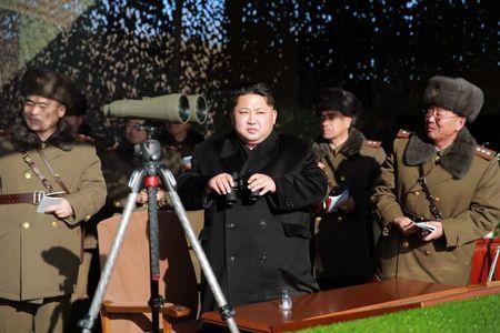 Tin the gioi 10/2: Trump vua dien dam voi Trung Quoc, Thu tuong Nhat da toi My - Anh 5