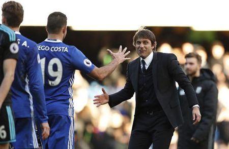 "Conte tung bi cau thu Chelsea ""xem thuong"" - Anh 1"