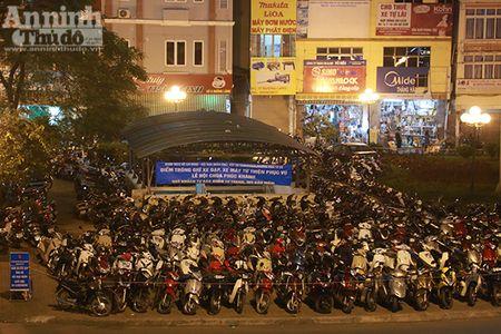 Hang nghin nguoi tran kin duong du le cau an chua Phuc Khanh - Anh 16