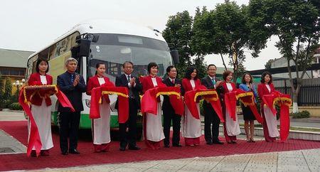 Hai Phong: Khai truong tuyen xe bus dien EV dau tien tai Viet Nam - Anh 1