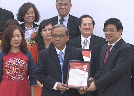 TP Ho Chi Minh trao Giai thuong chat luong kham chua benh - Anh 1