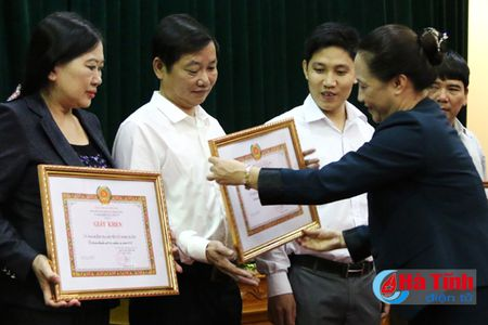 Thong tin cho bao chi: Nang cao hieu qua giam sat, thi hanh ky luat dang - Anh 1