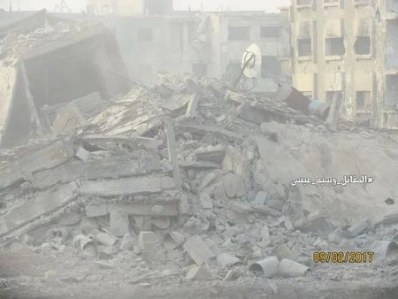 Chien su Syria: Phuc kich 'chon song' nhom phien quan Al-Qaeda o ngoai vi Damascus - Anh 1