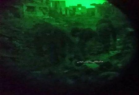 Chien su Syria: Phuc kich 'chon song' nhom phien quan Al-Qaeda o ngoai vi Damascus - Anh 6