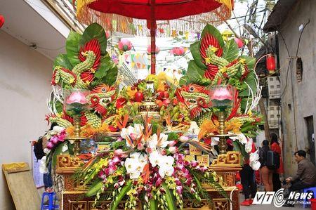 'Ong lon' mac 'ao choang' mo mang duoc ruoc khap lang La Phu - Anh 6