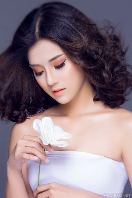 Ngam Hoang Yen Chibi xinh dep khac thuong voi kieu trang diem tong cam - Anh 3