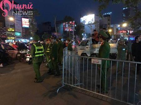 Bien nguoi do ve chua Phuc Khanh cau an dau nam - Anh 7
