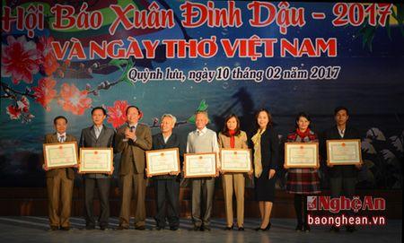 Tung bung Hoi bao Xuan va Ngay tho Viet Nam o Quynh Luu - Anh 2