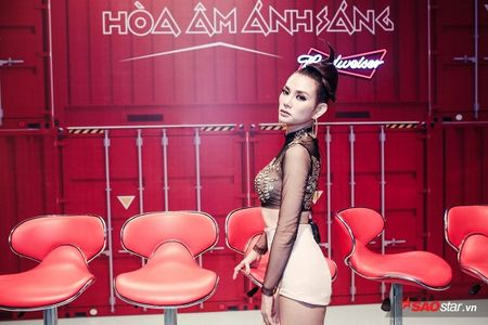 Duoc me thap tung, Thu Thuy tu tin het minh truoc gio G Remix New Generation - Anh 5