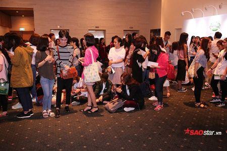 180 fan may man nhat da on dinh cho ngoi san sang cho gap YoonA - Anh 2
