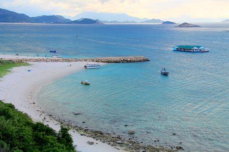 Bai Kinh - diem dung chan 'tuyet cu meo' tren cung duong bien Ninh Thuan - Anh 4