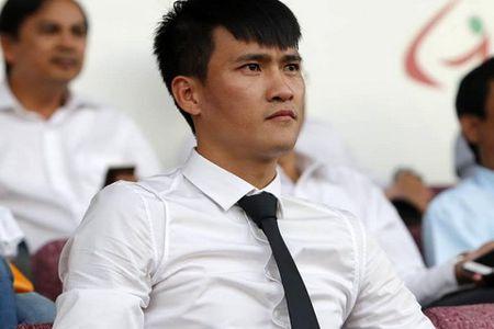 Chu tich Cong Vinh cang thang truoc vong 5 V-League 2017 - Anh 1