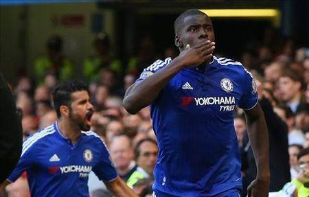 Kurt Zouma len tieng ve tuong lai o Chelsea - Anh 2
