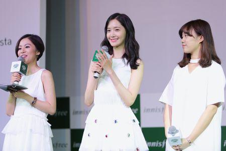 Yoona (SNSD) den tre 2 tieng, xuat hien o hop bao 10 phut - Anh 3