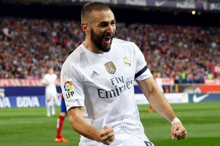 Real gia han hop dong voi Benzema den 2022 - Anh 1