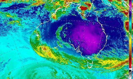 Australia chiu dot nang nong keo dai bat thuong - Anh 1