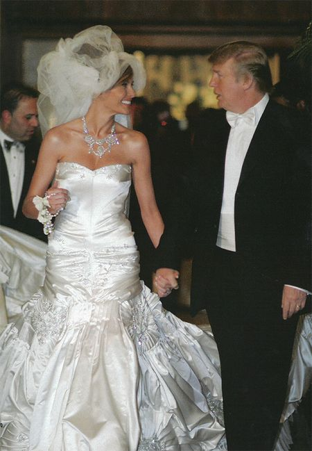 Vay cuoi lay cam hung tu De nhat phu nhan Melania Trump - Anh 4
