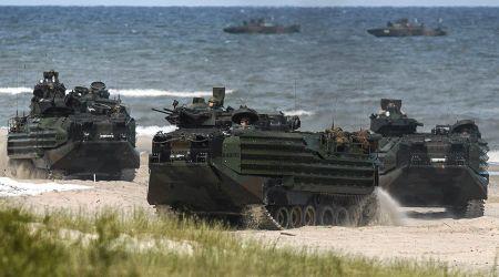 NATO tang quan o Dong Au, 'de doa' Nga - Anh 1