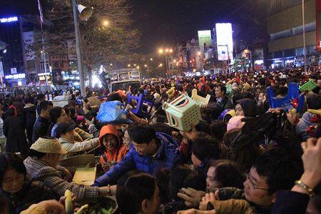 Hon loan cuop loc tai chua Phuc Khanh - Anh 5