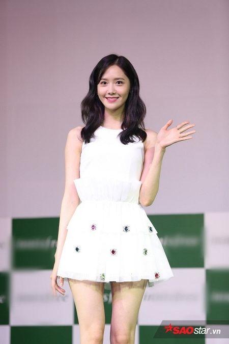 'Nu than' Yoona bat mi SNSD se tro lai Viet Nam - Anh 2