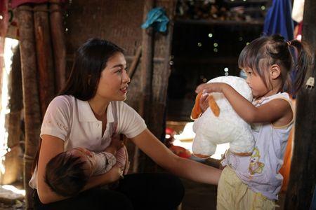 Hanh dong dep cua Le Hang sau khi tro ve tu Hoa hau Hoan vu - Anh 5