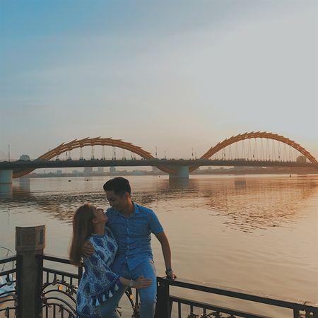 Khanh Thi - Phan Hien: Nong nan moi tinh lech tuoi - Anh 3