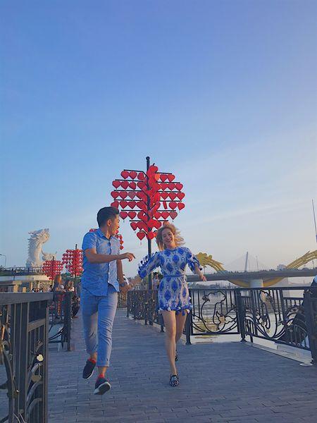 Khanh Thi - Phan Hien: Nong nan moi tinh lech tuoi - Anh 4
