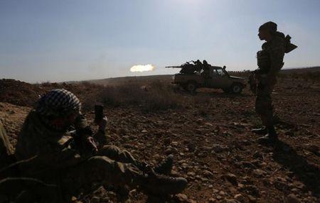Can canh giao tranh ac liet o thi tran Al-Bab, Syria - Anh 3