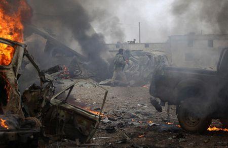 Can canh giao tranh ac liet o thi tran Al-Bab, Syria - Anh 7