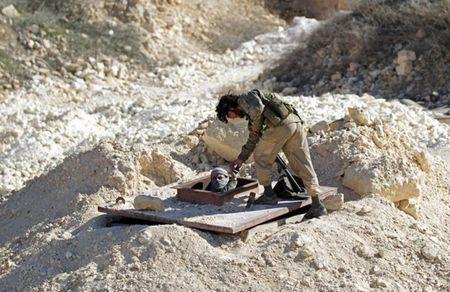 Can canh giao tranh ac liet o thi tran Al-Bab, Syria - Anh 8