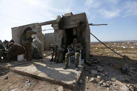 Can canh giao tranh ac liet o thi tran Al-Bab, Syria - Anh 9