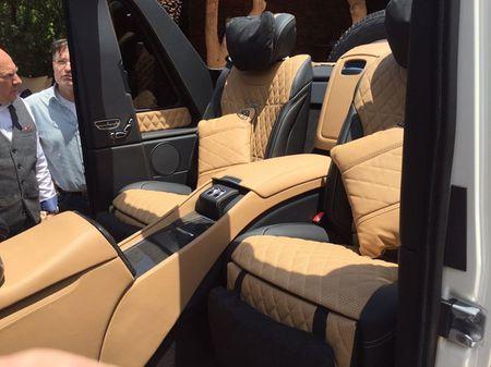 Sieu SUV mui tran Mercedes-Maybach G650 Landaulet lan dau lo dien - Anh 4