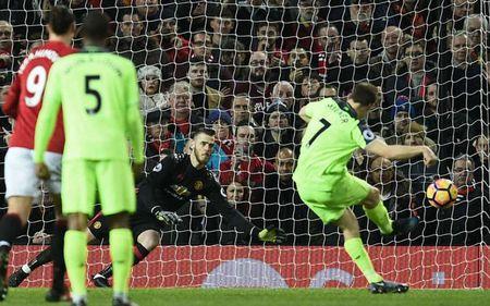 Top 10 doi bong duoc huong penalty nhieu nhat Premier League - Anh 10