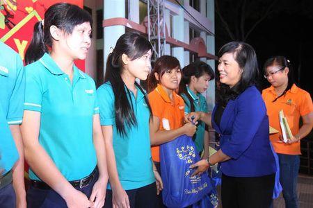 Gan 600.000 CNVC-LD duoc Cong doan cham lo Tet - Anh 1