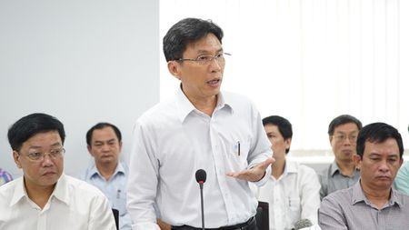Bi thu Dinh La Thang: Doi ho khau sao hut duoc nguoi gioi? - Anh 1