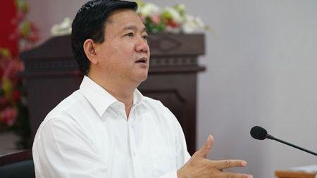 Bi thu Dinh La Thang: Doi ho khau sao hut duoc nguoi gioi? - Anh 2