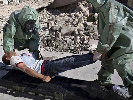 Nhom dong minh voi FSA thua nhan danh bom dam mau o Damascus - Anh 1