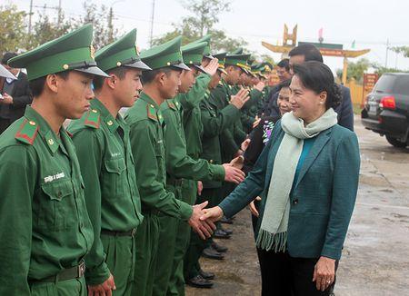 Chu tich Quoc hoi tham va lam viec tai Lai Chau - Anh 2